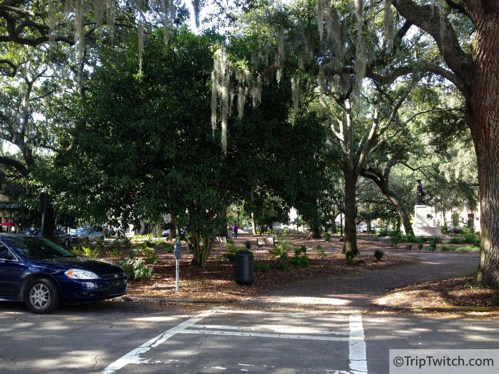 One of Savannah's 22 public squares